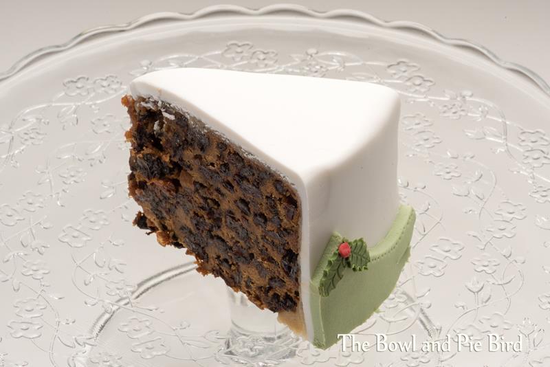 slice-xmas-cake_d751367-copy