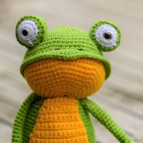 Fritz the Amigurumi Frog