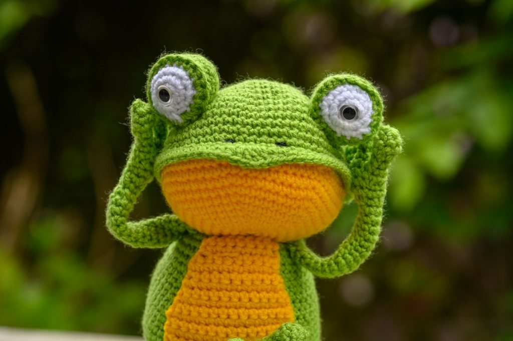 Fritz the frog - Hear no evil